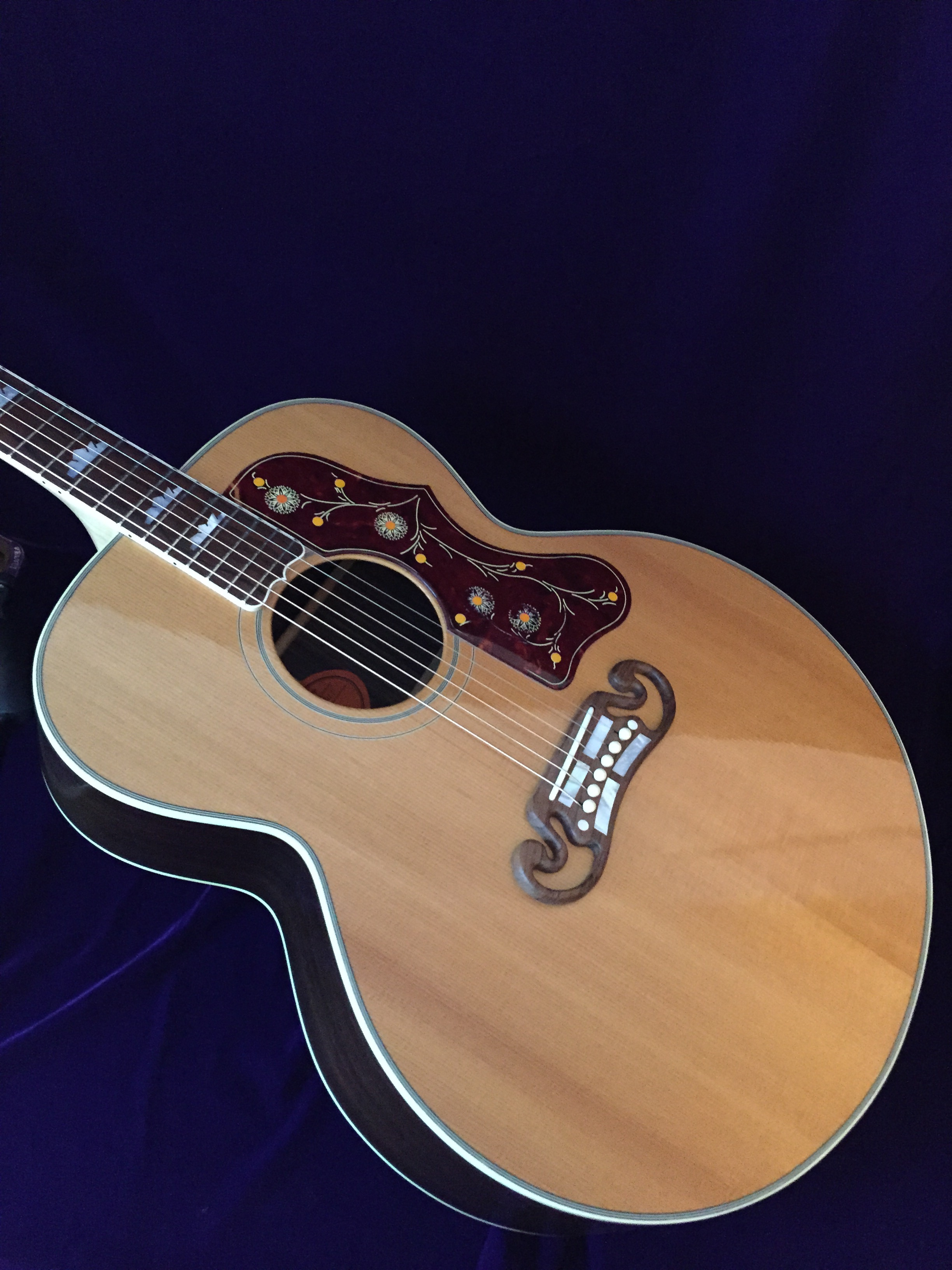 Plectrum nyc gibson custom shop j 200 rosewood for The rosewood