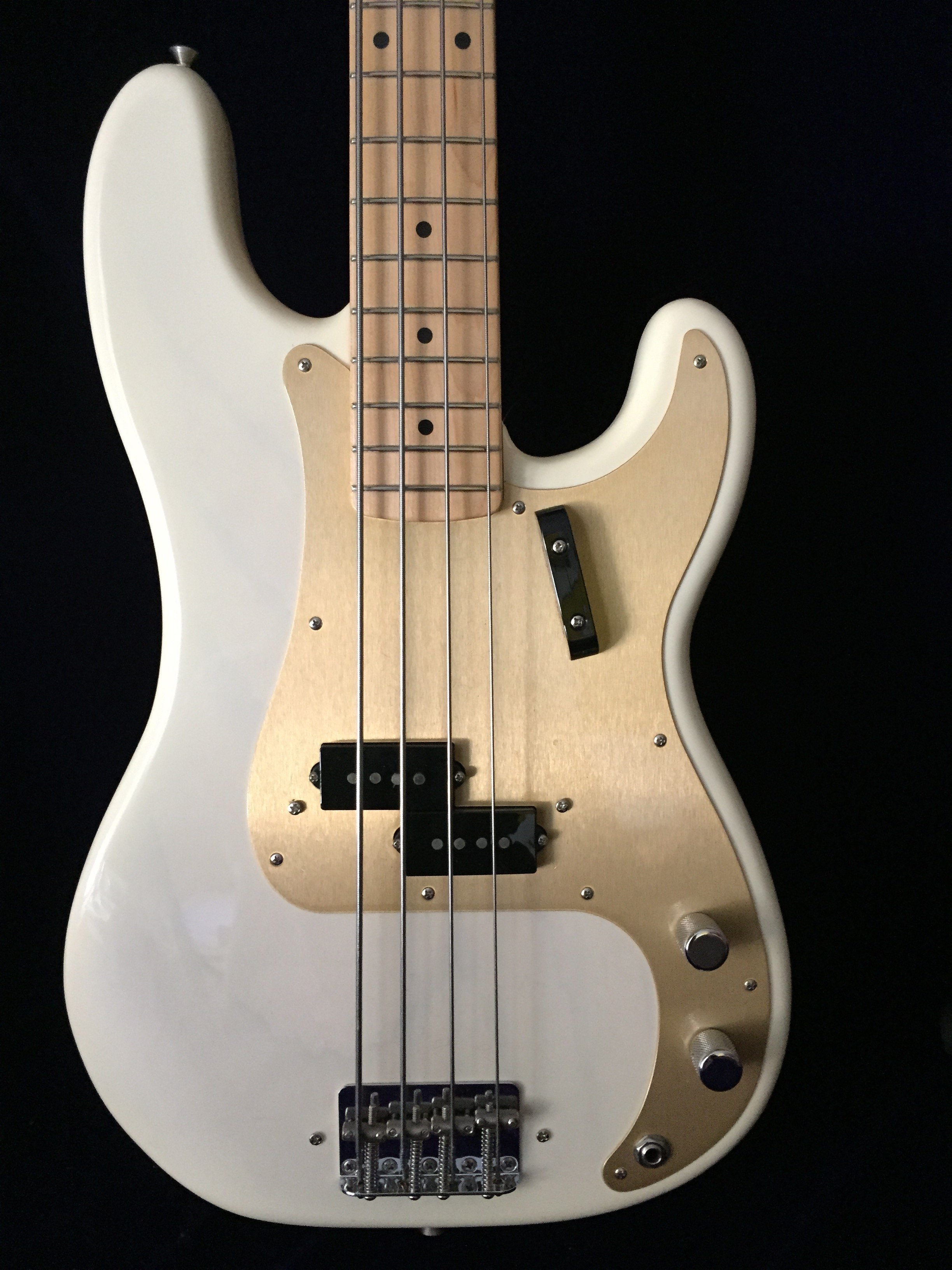 plectrum nyc 58 fender american vintage precision bass. Black Bedroom Furniture Sets. Home Design Ideas